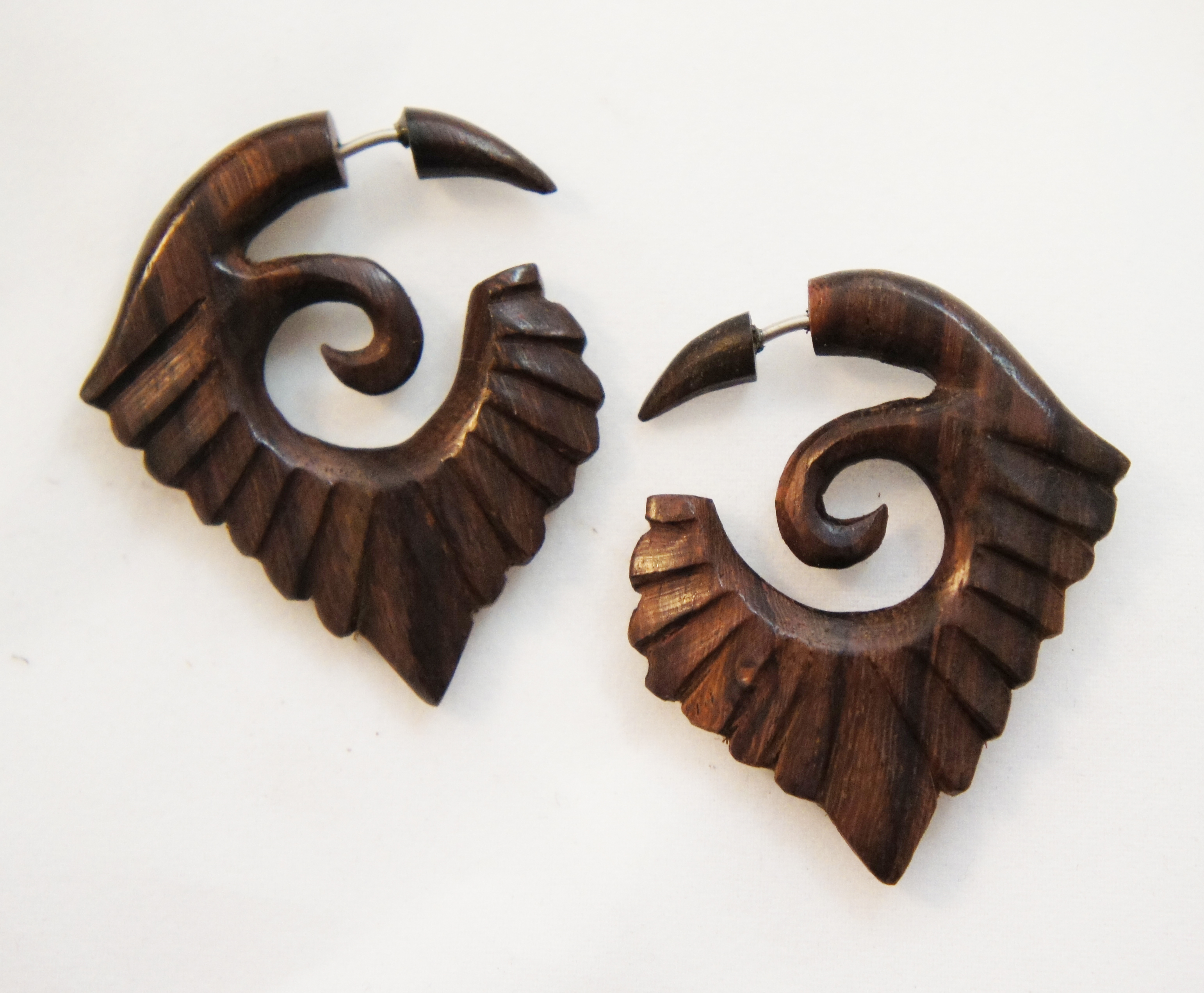 Curled Wood Illusion Hanger with Spiral