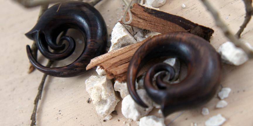 Sono Wood Double Spiral Vine Swirl Hanger