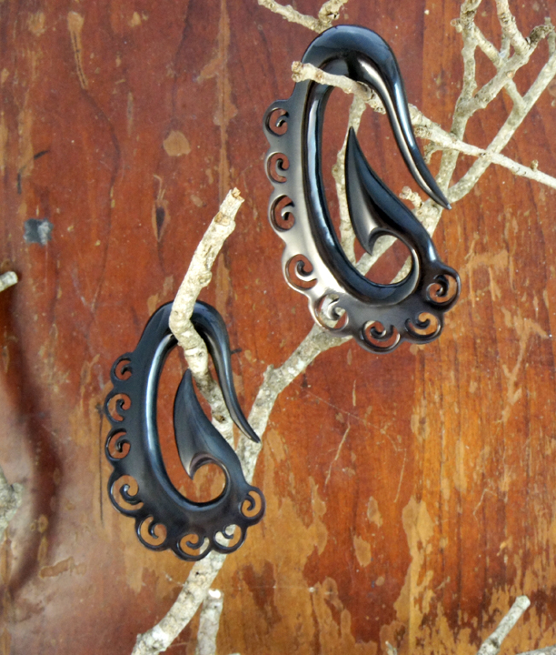 Black Horn Tribal Oval Lace Swirl Hanger