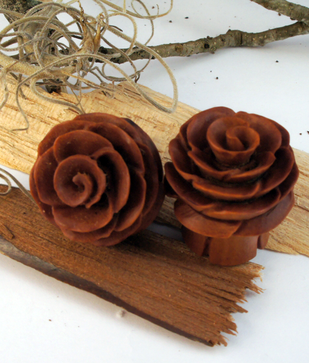 Sono Wood Rose Plug