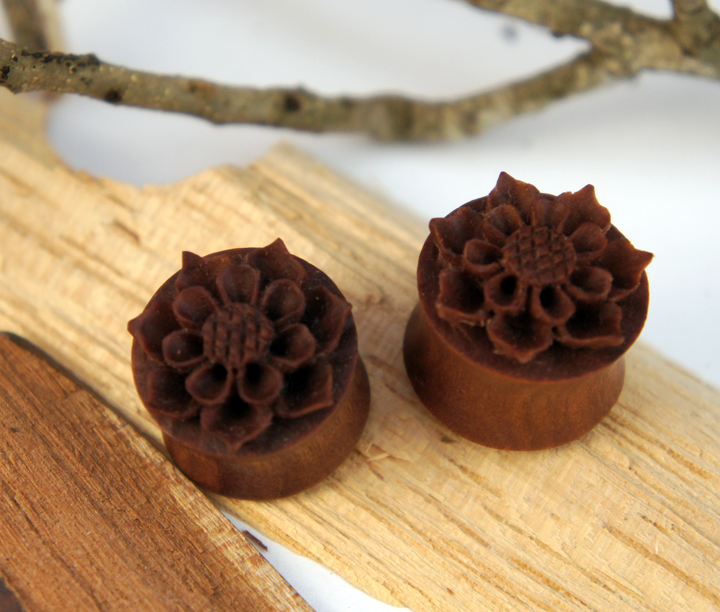 Sawo Wood Sun Flower Plug