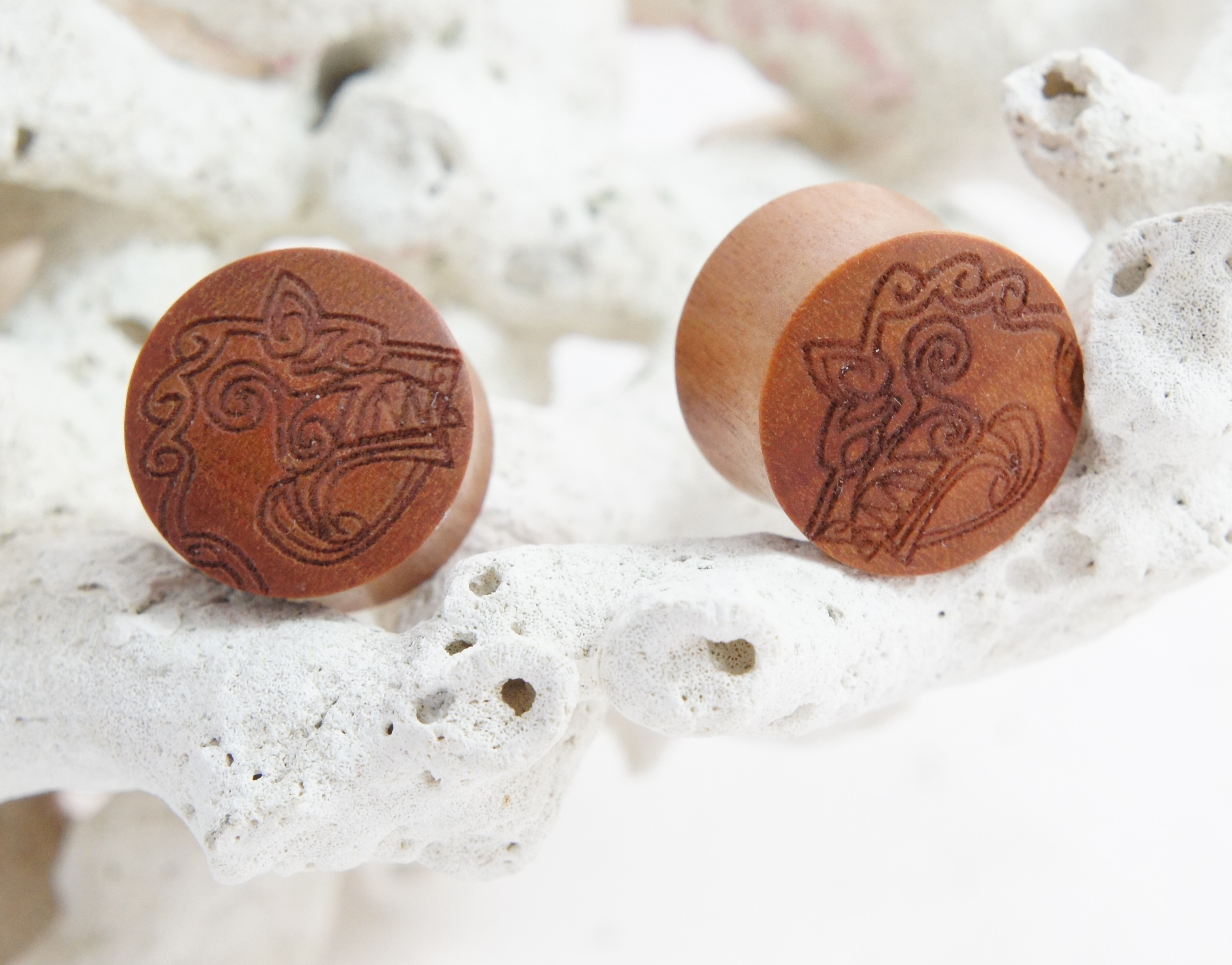 Viking Wolf Head Sono Wood Plug