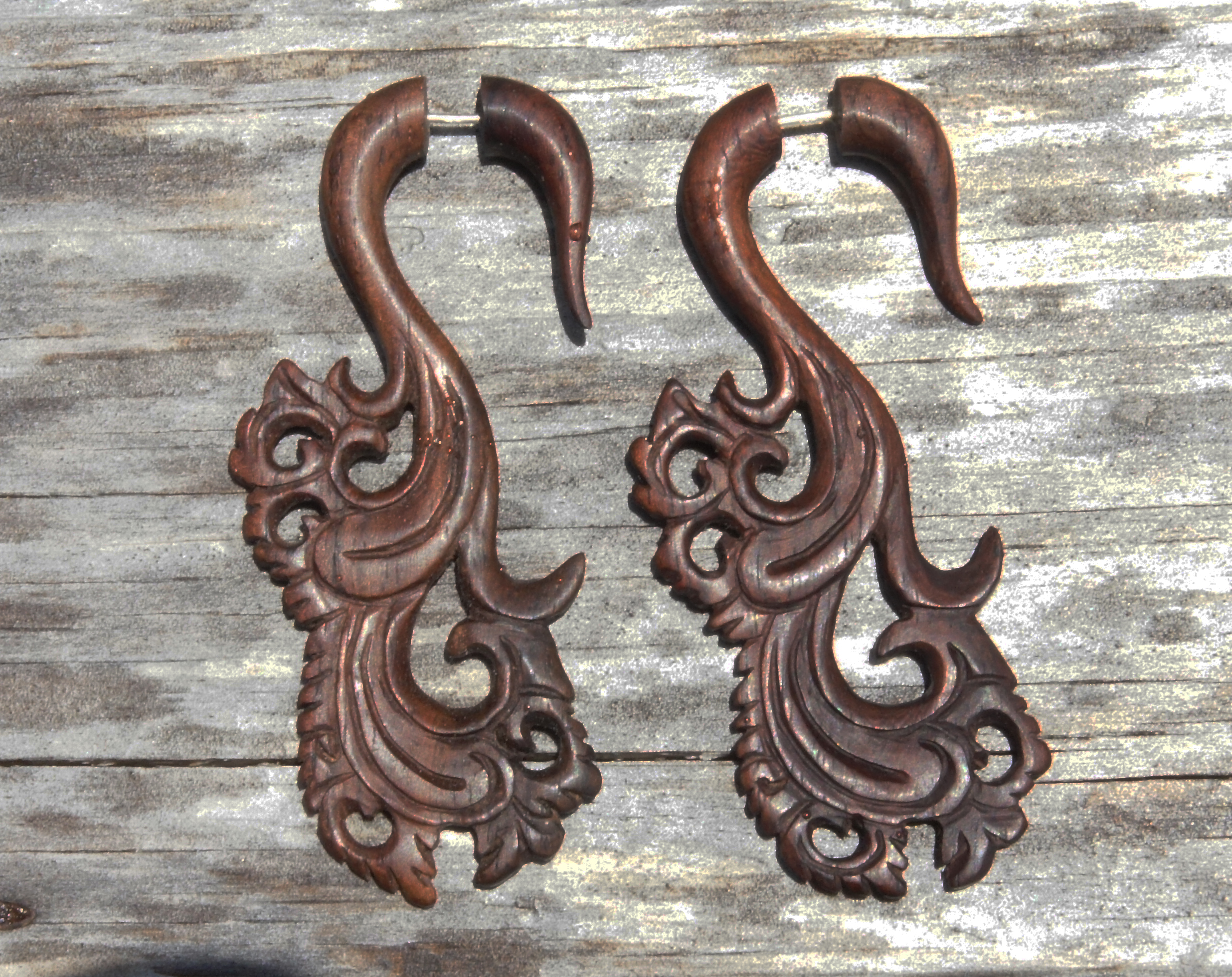 Illusion Sono Wood Floral Carved Hangers