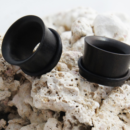 Areng wood single flare flesh tunnel with rubber O-ring