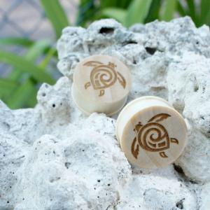 Hawaiian Tribal Turtle Straight Plugs With Lipped Edges