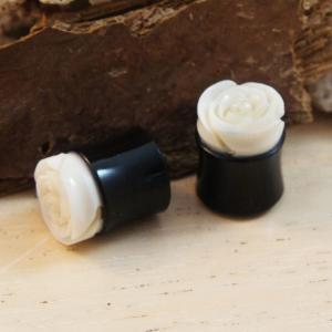 Horn Plug With Carved Rose Accent