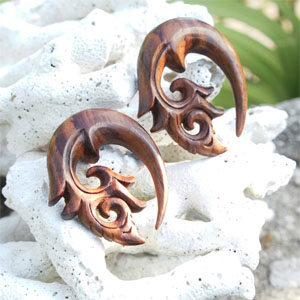 Sono Wood Curled Floral Hook