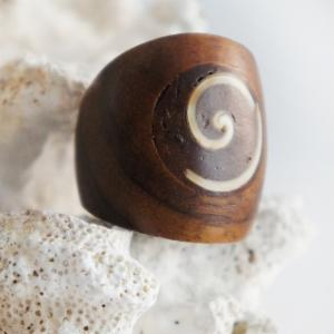 Sono Wood Dome Ring with Shell Swirl Inlay