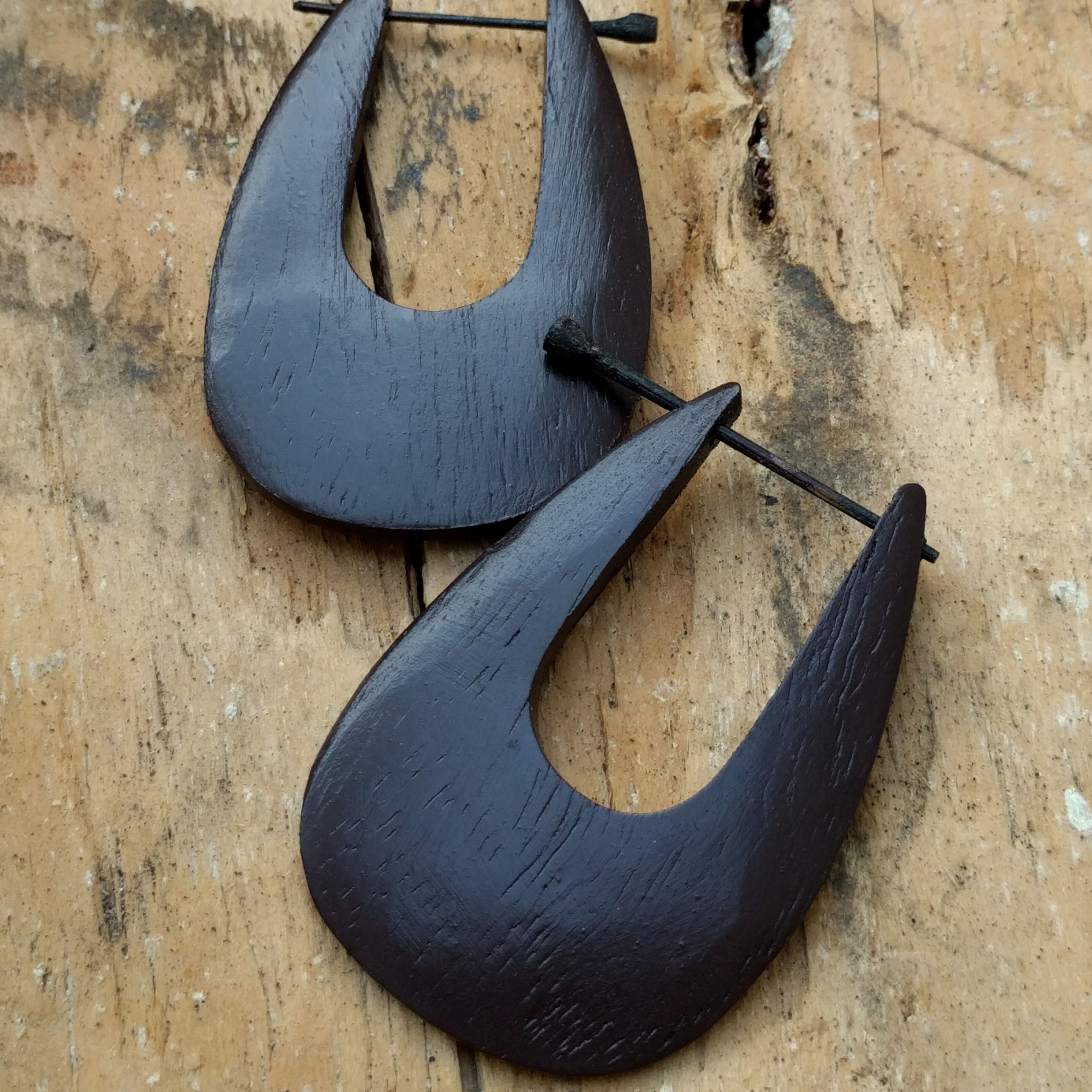 Drip Rounded Sono Wood Stick Earrings