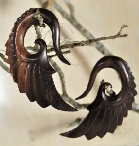 Sono Wood Feathered Wing Hanger