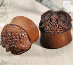 Sono Wood Owl Face Plug