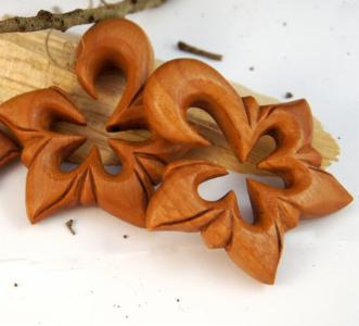 Floral Star Wood Hawaiian Hanger