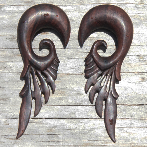 Sono Wood Robot Feather Wings Hanger